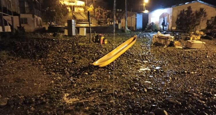 DESBORAMIENTO DEL RIO  WIMBI POR LAS FUERTES LLUVIAS.